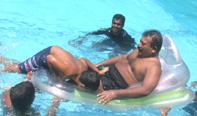 Piraba_in_Swimmingpool