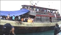 Boat Refugees_03